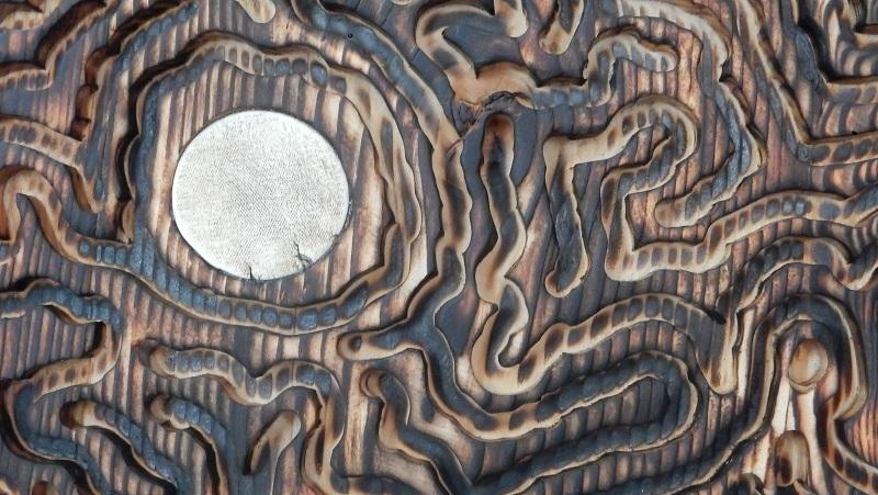 Détail porcelaine - tondo épicéa porcelaine incrustée